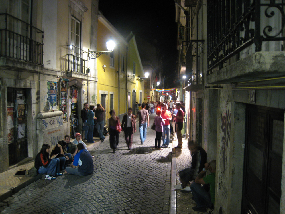 bairro-alt-night