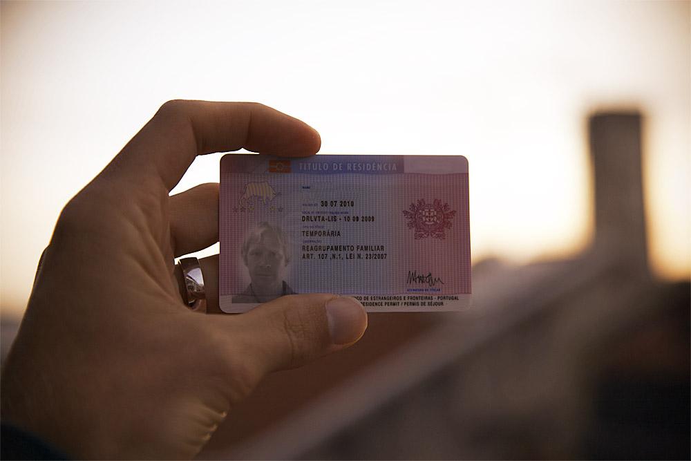 resident-card1